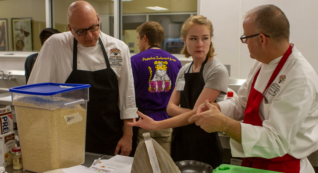 Med Students Learn to Prescribe 'Culinary Medicine' Healthy Recipes to Patients