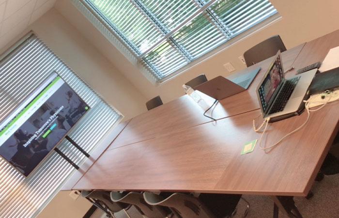 MedSmarter facilities center facing classroom